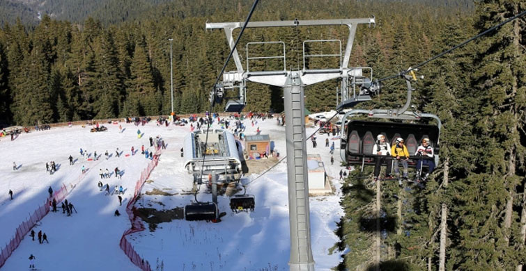 Ilgaz Dağı'nda Vatandaşların Kayak Keyfi