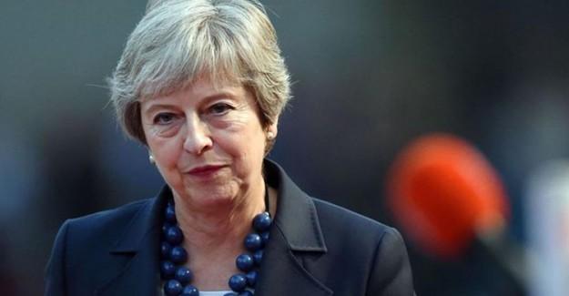 İngiltere Başbakanı Theresa May'in İstifa Etmesi Bekleniyor