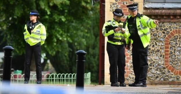 İngiltere'deki Terör Saldırısında Saldırganın Kimliği Açıklandı