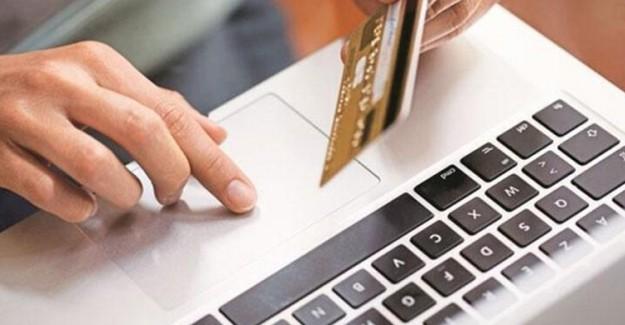 İnternetten Sipariş Verdi! Paketinden Çıkanlarla Şoku Yaşadı