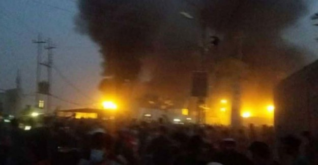 Irak'ta Eylemciler İran Başkonsolosluğu'nu Ateşe Verdi