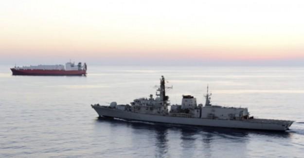 İran Devrim Muhafızları İle İngiliz Savaş Gemisi Arasındaki Konuşma: Hayatlarınızı Tehlikeye Atmayın