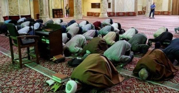 İran'da Bayram Namazı Camide Kılınacak
