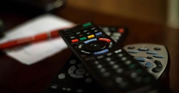 İran'ın İngilizce Yayın Yapan 2 Televizyon Kanalının Yayınları Kesildi