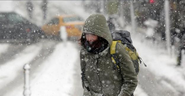 İskenderun'a 19 Yıl Sonra Kar Yağdı