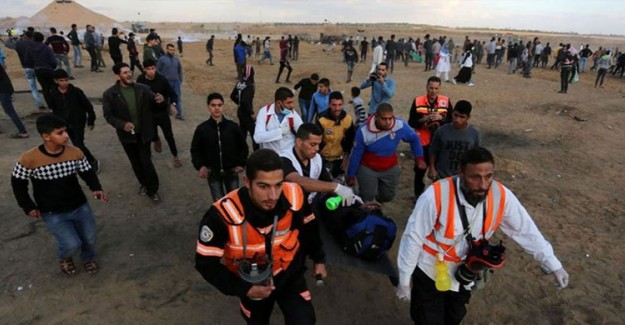 İsrail Askerleri Gazze Sınırında 13 Filistinliyi Yaraladı
