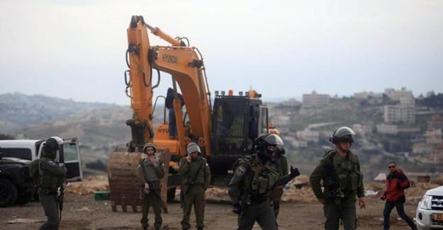 İsrail Doğu Kudüs'teki Filistinlileri Tahliye Ediyor