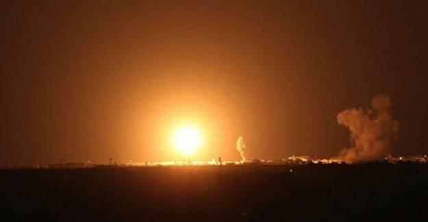 İsrail Gazze'de Hamas'a Ait Noktalara Saldırdı