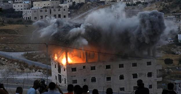 İsrail Kudüs'te Binayı Havaya Uçurdu