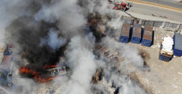 İstanbul Başakşehir'de Depo Yangını