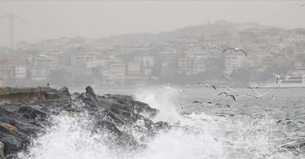 İstanbul'a Şiddetli Fırtına Alarmı