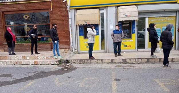 İstanbul'da Covid-19 Yasaklarına Uymayan 123 Kişiye Cezai İşlem