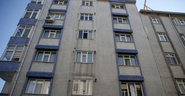 İstanbul'da Deprem Sonrasında Binalarda Hasar Tespiti Yapıldı