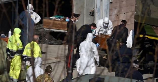 İtalya'da Coronavirüsten Ölenlerin Sayısı 8 Bin 165'e Yükseldi