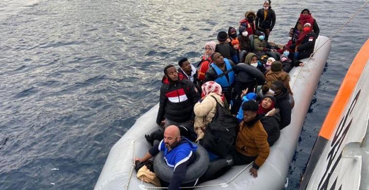 İzmir'de Türk Kara Sularına İtilen 64 Göçmen Kurtarıldı