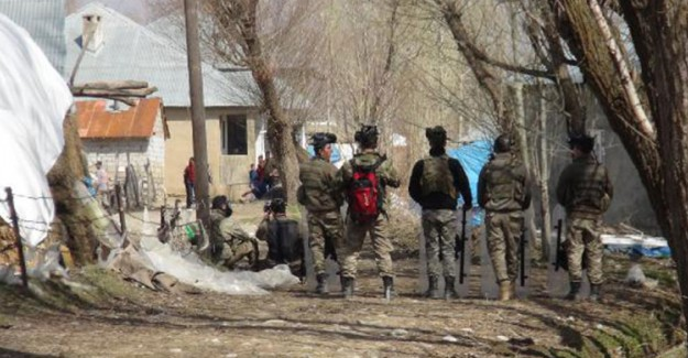 Kaçak Elektrik Kullanan Köylüler Ekiplere Saldırdı