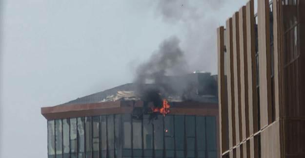 Kadıköy'de 10 Katlı İş Merkezinde yangın