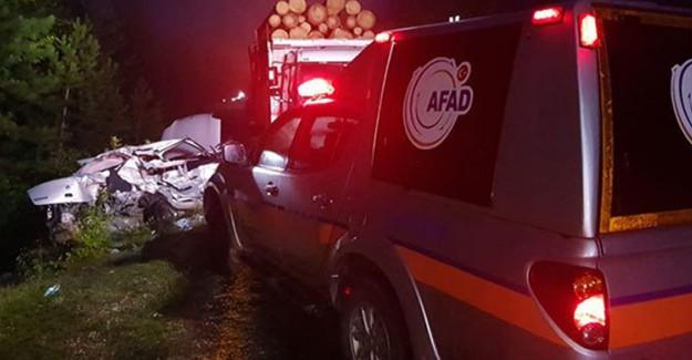 Karabük'te Otomobil ve Kamyon Çarpıştı: 2 Ölü 2 Yaralı