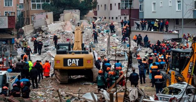 Kartal'daki Olaya Duyarsız Kalan Belediye Başkanı Altınok Öz'e Vatandaşlar Tepki Gösterdi