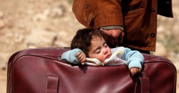 Katil Esed Rejimi Sivilleri Göçe Zorluyor