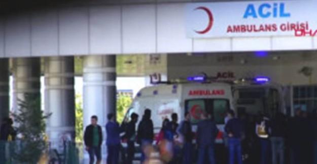 Kavgayı Ayırmaya Çalışan Polis Bıçaklandı