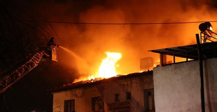 Kayseri'de Bir Binanın Çatısında Yangın Paniği!