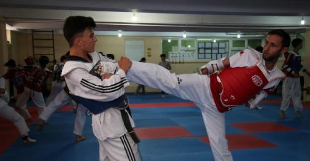 Kollarını Kaybetti; Türkiye Şampiyonu Oldu! Soner Aras'ın İbretlik Hikayesi!