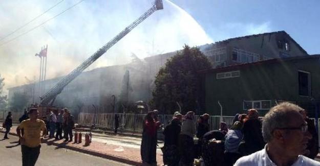 Konya'nın Beyşehir İlçesindeki Silah Fabrikasında Yangın Çıktı