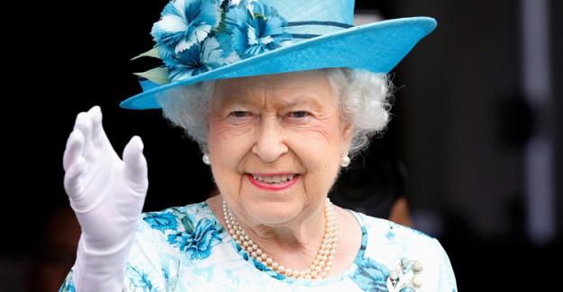 Kraliçe Elizabeth'in Yeni Yıl Mesajında Dikkat Çeken Detay
