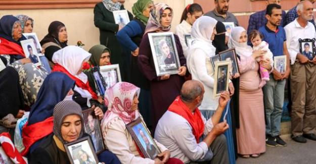 Kulp'ta Şehit Yakınları İle HDP'liler Arasında Olay Çıktı