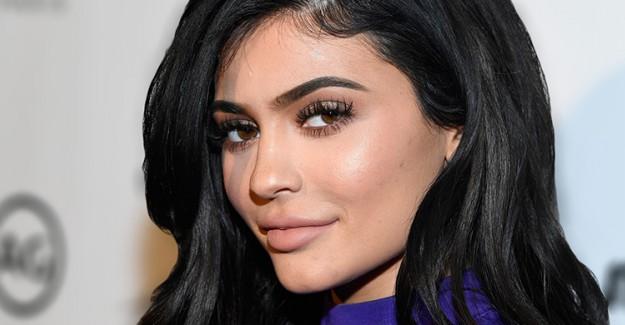 Kylie Jenner'dan Sosyal Medyayı Sallayan Paylaşım!