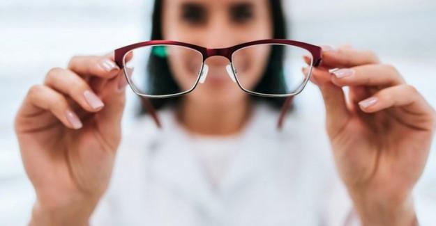 'Lens Yerine Gözlük Kullanın'