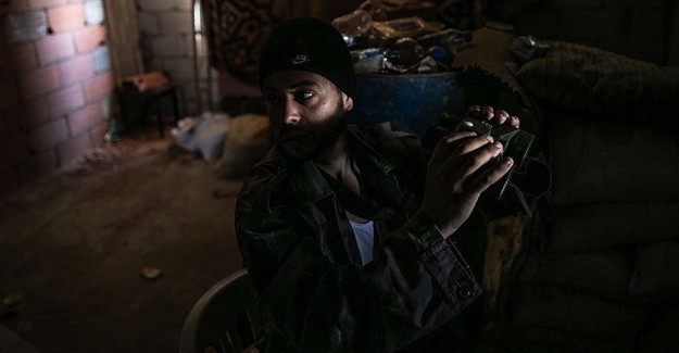 Libya Ordusu Hafter'in 'Üç Çocuk Savaşçısını' Yakaladığını Açıkladı