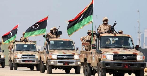 Libya Ordusu Hamza Askeri Kampı'nı Hafter'den Geri Aldı