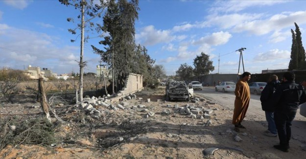 Libya'da Hafter Güçleri Zaviye Kentini Bombaladı! 2 Ölü
