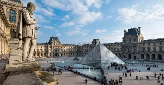 Louvre Müzesi'ne Dijitalde İlgi Yoğun