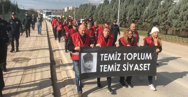 Maltepe Belediye Belediye Başkanı Ali Kılıç Yeniden Aday Gösterilmeyince CHP'liler Ankara'ya Yürümeye Başladı
