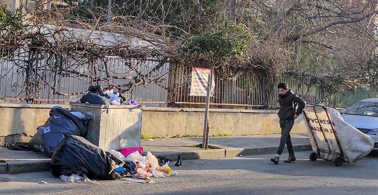 Maltepe Belediyesi'nde İşçiler Greve Gidince Sokaklar Çöplüğe Döndü