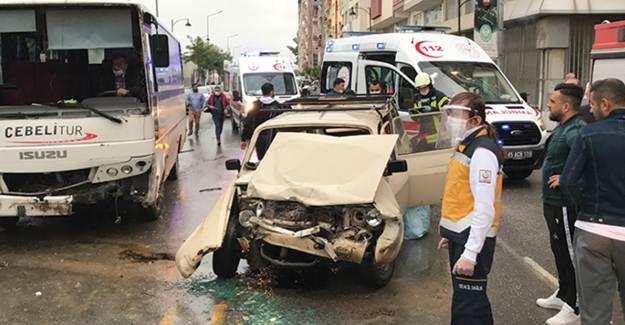 Manisa'da Korkunç Kaza! 5 Yaralı