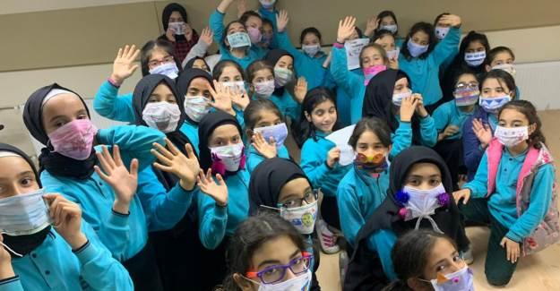 Bakan Selçuk: 'Okullarda Maske Dağıtılacak'