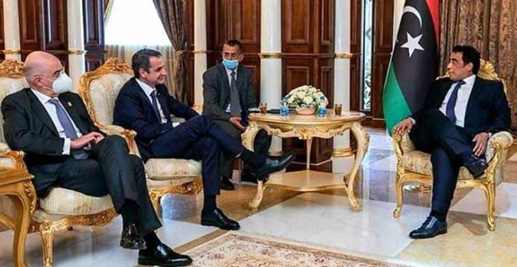 Menfi'nin Türk Büyükelçiyi Kabulündeki Oturuşu Dikkat Çekti