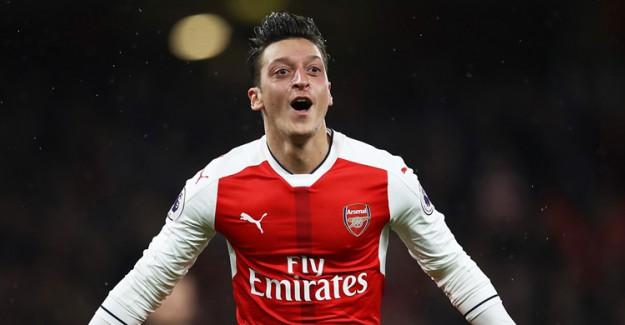 Mesut Özil'den Muhteşem Performans!