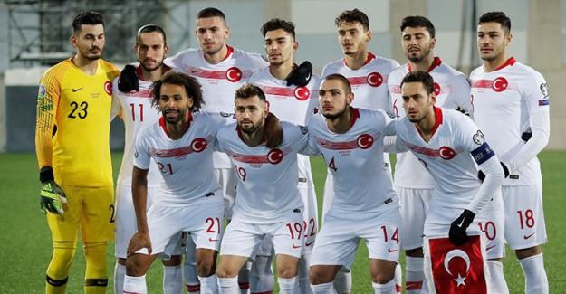 Milli Futbolcular Bir Araya Mı Geliyor