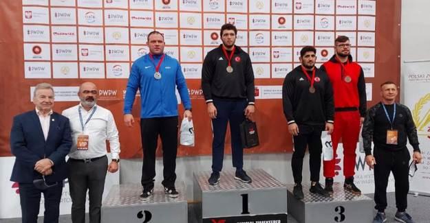 Milli Güreşçilerimiz Tam 34 Madalya Kazandı