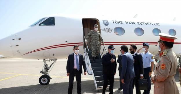 Bakan Akar: 'Libya Meşru Hükümeti'nin Yanındayız'