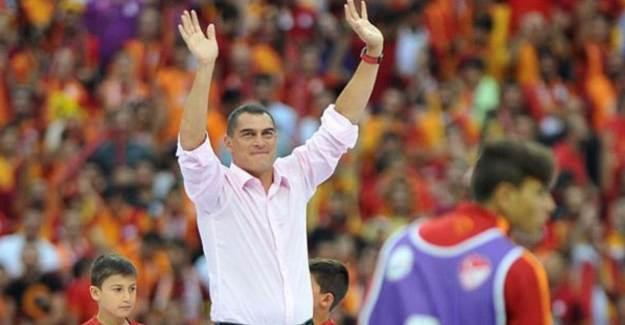 Mondragon: 'Falcao, Kolombiya'nın Messi'si'