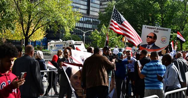 New York'ta, Sisi Karşıtı Protestoda Gergin Dakikalar Yaşandı