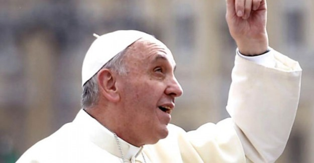 Papa, Vatikan'da Asansörde Mahsur Kaldı
