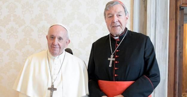 Papa ve Tacizci Kardinal George Pell Bir Araya Geldi