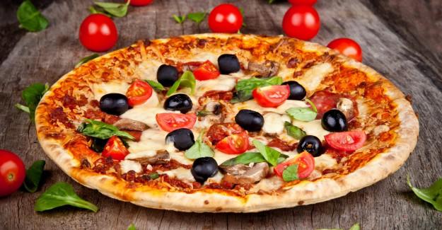 Pizza Diye Bakın Ne Yiyoruz!